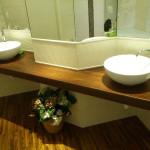 Mobile-bagno-artigianale-con-lavabi-ad-appoggio