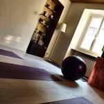 Palestra yoga con palchetto bamboo sbiancato